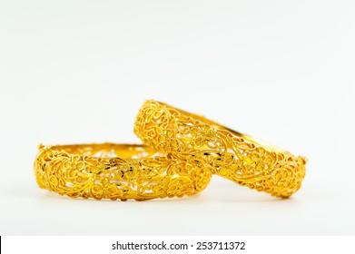 Wedding gold bracelets for Thai bride