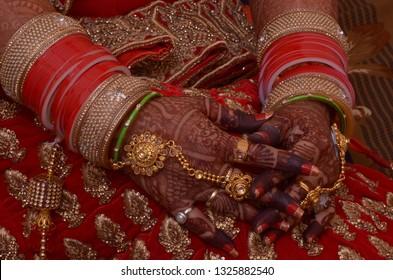 Wedding Hand with Mehendi Design