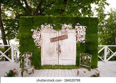 wedding photo-booth decoration
