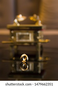 wedding ring or golden wedding, Ark of the Covenant
