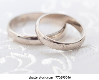 wedding rings with decoration