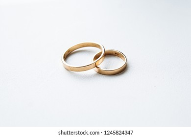 wedding rings gold two
