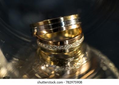 wedding rings, macro