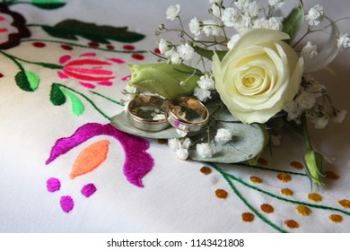 wedding rings for the newlyweds