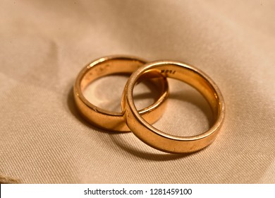 Wedding rings on cloth