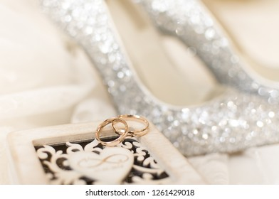 Wedding rings on decorative box
