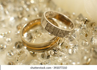 wedding rings on a light background