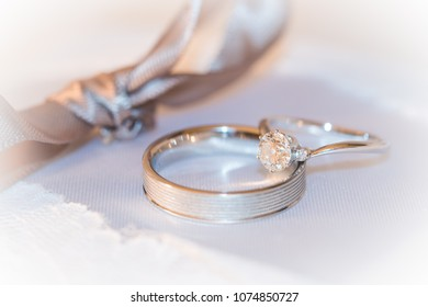 Wedding rings with ribbon