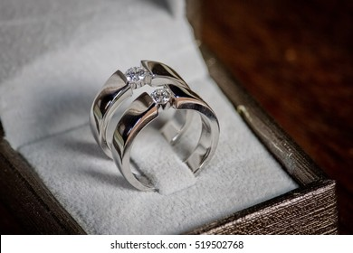 wedding rings,vintage picture style