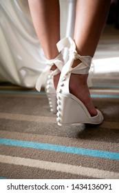 wedding shoes, bridesmaid preparation heels