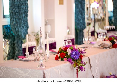Wedding table decoration in a restaurant