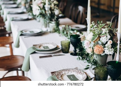 Wedding table decorations, flowers and vintage elements