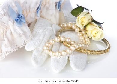Wedding tradition :  something old, new, borrowed, blue