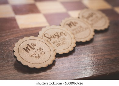 Wedding wooden lapel badges for bridal party breast pins in afrikaans for mother and sister of the bride