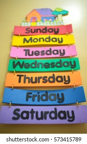 Weekdays illustration for children learning.