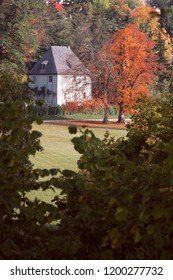 Weimar goethe garden house at famous ilmpark in autumn