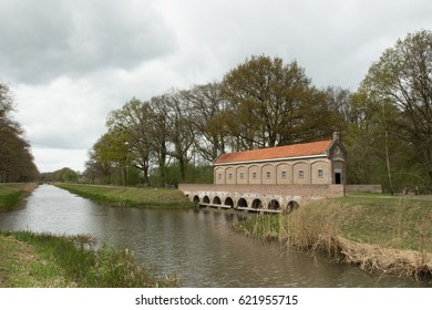 Weir at Almelo-Norhorn canal