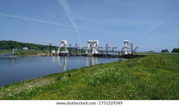 Weir at Driel, the most easterly of three almost identical weirs / sluices in the Lower Rhine and Lek that regulate the upstream water level: Hagestein, Driel and Amerongen, The Netherlands.