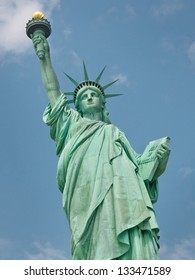 Welcome to America - The Statue of Liberty in New York