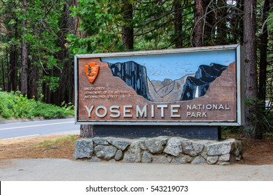 Welcome entrance sign in the Yosemite National Park, California USA