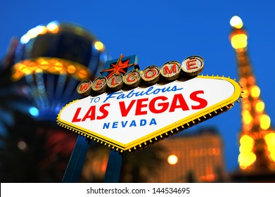 Welcome To Fabulous Las Vegas sign with night scene, Las Vegas, Nevada