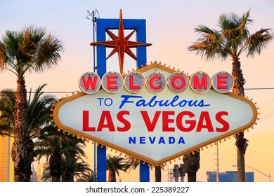 Welcome to Fabulous Las Vegas sign at night, Nevada, USA