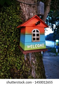 Welcome sign on Bird House