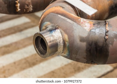 Weld pipe joints made by manual arc welding