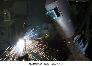 Welding work with sparking fire