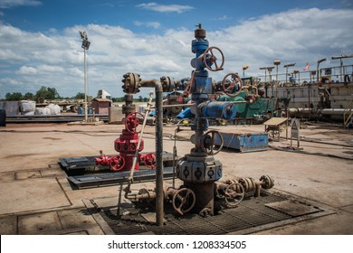 Wellhead and X-mas tree in onshore land rig in oil and gas industry