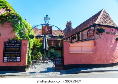WELLS, ENGLAND - JUNE 30, 2015: The Olde City Jail restaurant in Wells. The original building dates from 1549 when it was the City Jail.