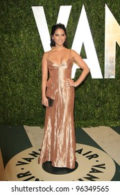 WEST HOLLYWOOD, CA - FEB 26: Olivia Munn at the Vanity Fair Oscar Party at Sunset Tower on February 26, 2012 in West Hollywood, California.
