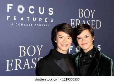 WEST HOLLYWOOD - OCT 29: Emily Hinkler, Elizabeth Hinkler arriving at the Premiere of Boy Erased at the Directors Guild of America on October 29, 2016 in West Hollywood, California