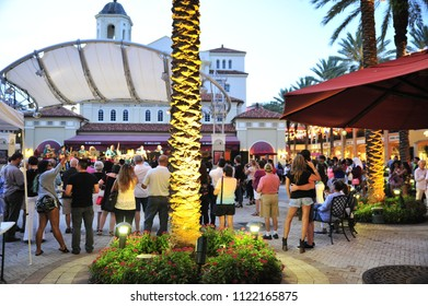 West Palm Beach, FL/ USA 07/29/2017- Visitors to Cityplace enjoy a vibrant nightlife scene as dusk approaches.