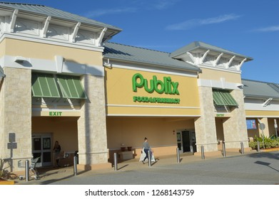 West Palm Beach,FL/USA -November 17,2017: Publix is a supermarket founded in 1930 in Lakeland FL based primarly in southern US states.