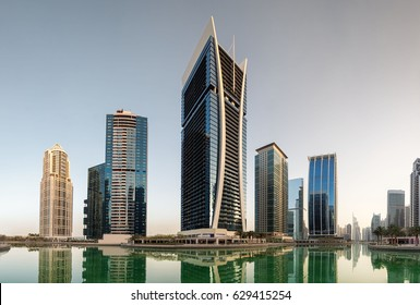 Western view of the Cluster V buildings, Jumeirah Lake Towers (Goldcrest Views tower in centre) with towers of cluster W and R in the distance. Dubai, United Arab Emirates