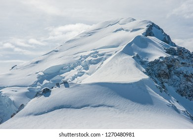 Westface of Mont Blanc with Bossonridge an Vallot shelter