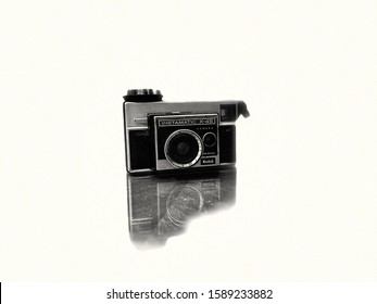 Westfield, NJ 12/14/19: Black And White Picture/Photo Of Instamatic X-45 Old Fashion Kodak Film Camera