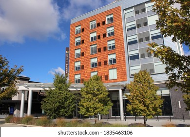 WESTLAKE OHIO - OCTOBER 2020: A Hyatt Place hotel in October 2020 in Westlake Ohio. Hyatt Place, a mid-tier brand of Hyatt hotels has free hot breakfast, which is no longer served during the pandemic.