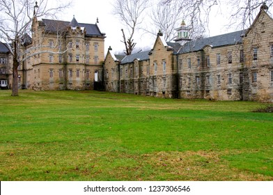 Weston, West Virginia, USA, Weston State Hospital, also called the Trans Allegheny Lunatic Asylum, the largest cut-stone building in the United States May 26, 2009