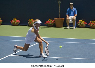 WESTWOOD, CA - JULY 20:  Samantha Smith playing against Logan Hansen (pictured) at the Los Angeles Countrywide Classic SCTA Junior All-Stars match on 7/20/07.