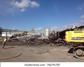 wetting asbestos containing debris during asbestos cleanup