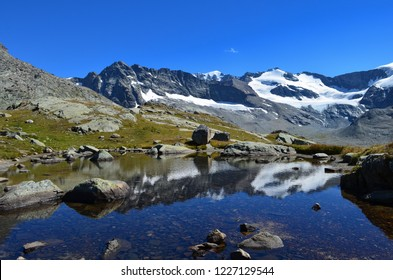 WHAT'S MORE BEAUTIFUL TO ADMIT THESE MOUNTAINS IN THE MORNING AT THE SUN RISE The Evettes mountain hut in the heart of the Vanoise National Park in the french alps above Bonneval sur Arc