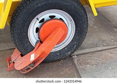 Wheel Clamp Boot Prevent Trailer From Being Moved Safety