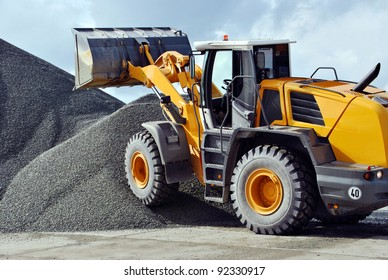 The wheel loader on a building site