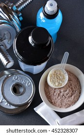 Whey protein taste vanilla and chocolate, dumbbell back to start training