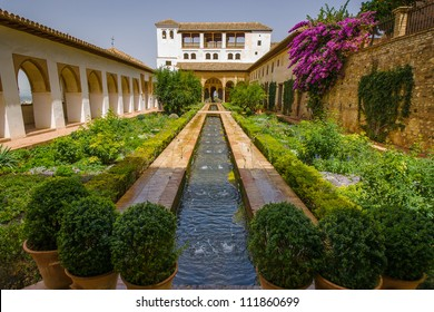 Whilst fountains and flowing water are a common feature around the Alhambra, they are particularly prevalent in the Palacio de Generalife.