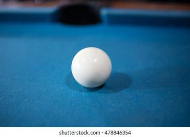 White ball pool-Billiards