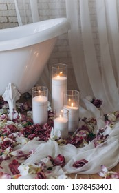 White bath. Relax. Cozy atmosphere.