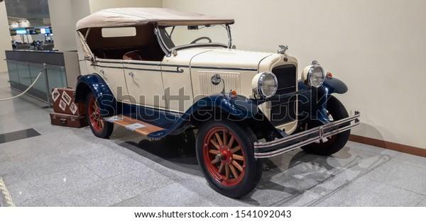 white-blue-car-pontiac-628-600w-15410920